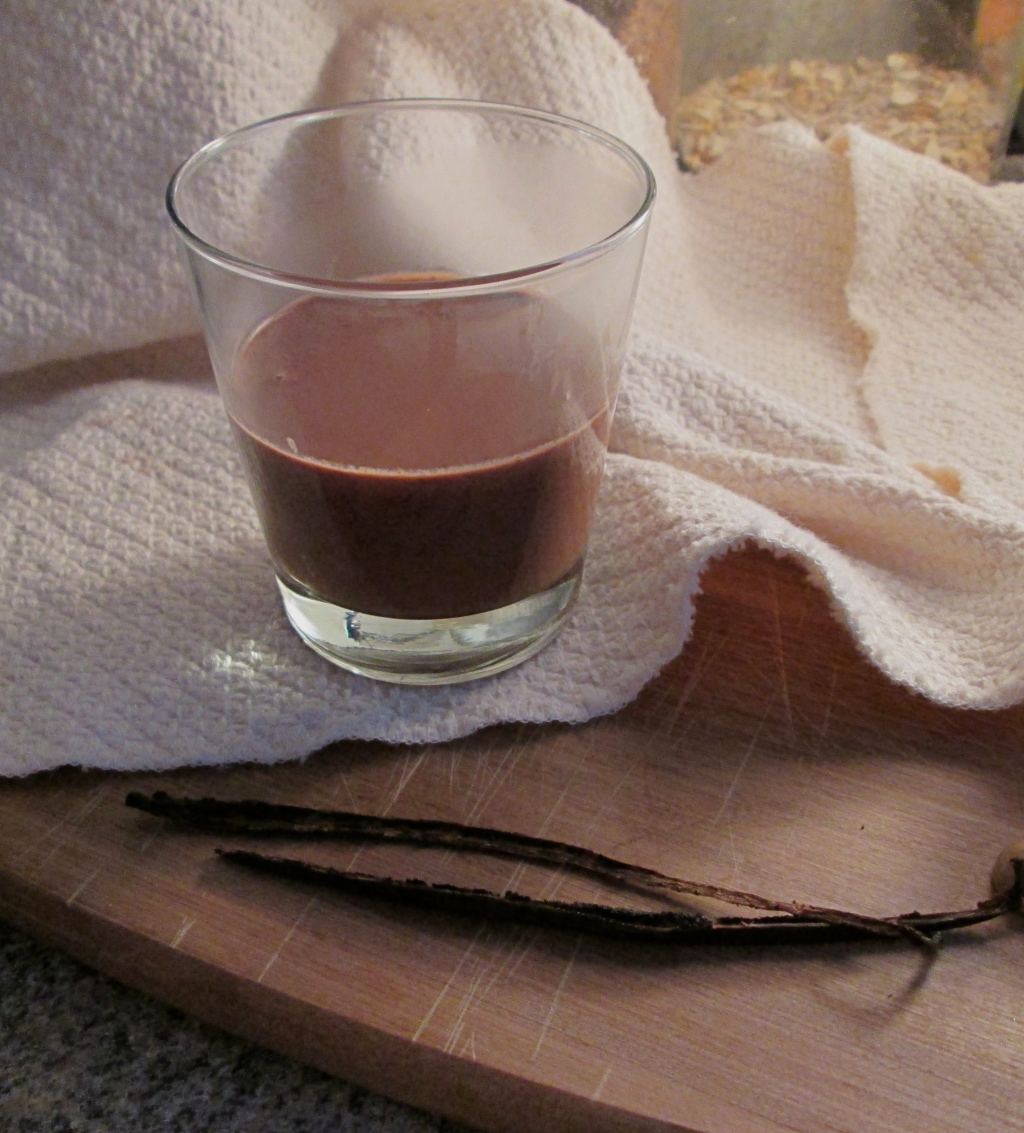 Vanilla Bean Pot de Creme, Photography by amormilagre.com